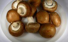 Ecco i funghi trifolati al pomodoro per un contorno sfizioso