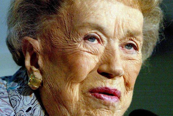 Chi era Julia Child, la cuoca e scrittice innamorata della Francia
