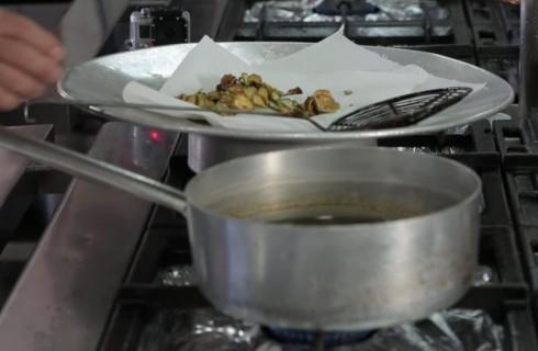 la_preparazione_della_pasta_con_zucchine_001
