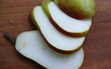 Le pere allo zabaione con la ricetta semplice da fare in casa