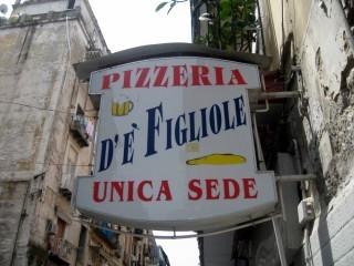 De' Figliole, Napoli