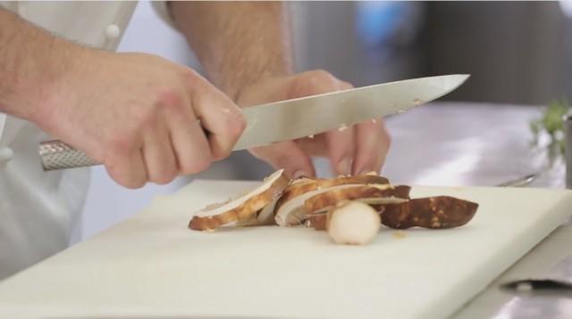 ravioli al cinghiale - 4 tagliare i porcini