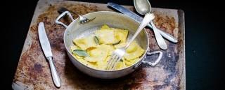 Ravioli ripieni di patate