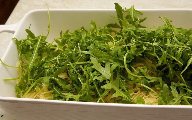 La pasta con rucola e patate in bianco con la ricetta semplice