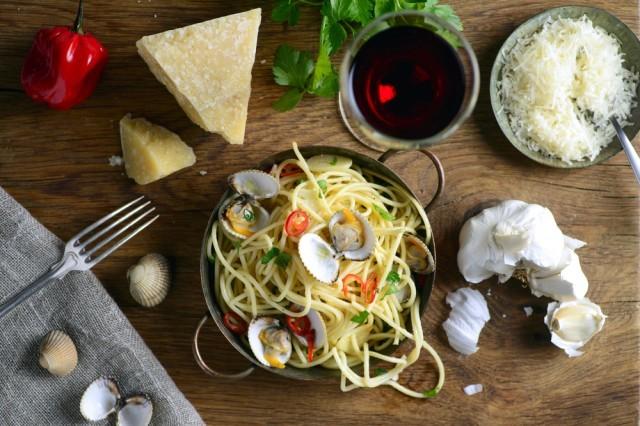 pasta vongole e parmigiano