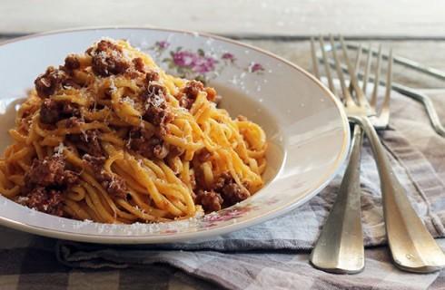 Spaghetti alla chitarra con ragù