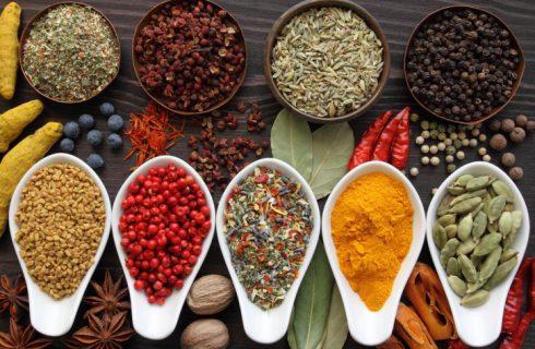 Dieci buone ragioni per usare le spezie e le erbe aromatiche in cucina