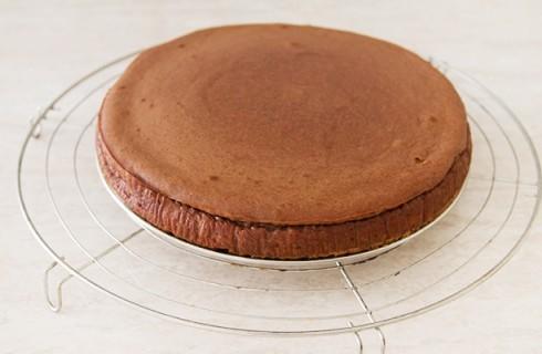 La preparazione della cheesecake alla nutella