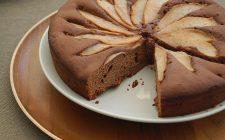 La torta alle pere e cacao con la ricetta light