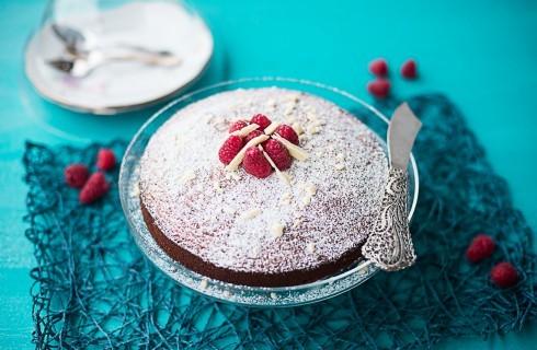 Torta al cioccolato bianco soffice