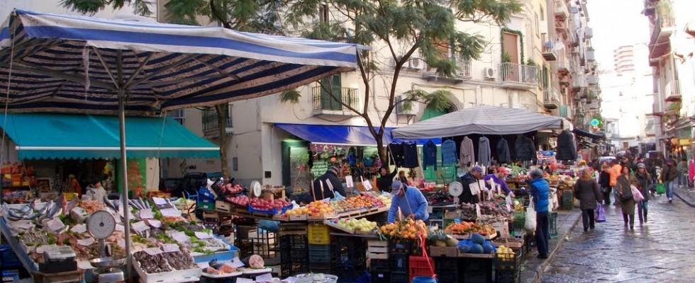 5 mercati rionali da visitare a napoli e dintorni agrodolce - Porta portese milano ...