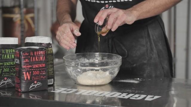 Calzone al forno - 2 unite l'olio