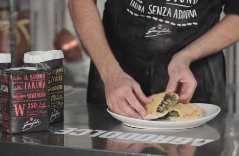 Calzoni al forno con scarola: video ricetta