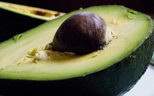 Come preparare l'avocado con yogurt con la ricetta veloce