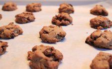 I biscotti con farina integrale e cioccolato perfetti per la colazione