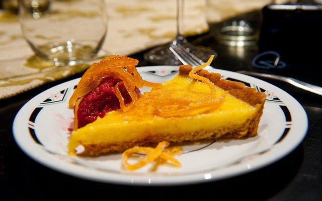 Ecco la crostata all'arancia e cannella per il dessert di fine pasto