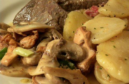 Come preparare i funghi e patate al forno alla ligure
