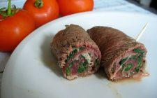Gli involtini di carne al sugo da fare con la ricetta facile