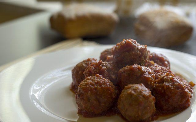 Le polpette di carne al sugo con la ricetta senza uova