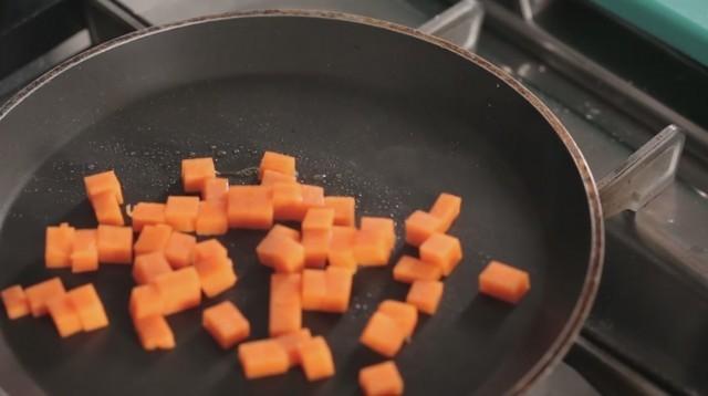risotto alla zucca - rosolate la zucca