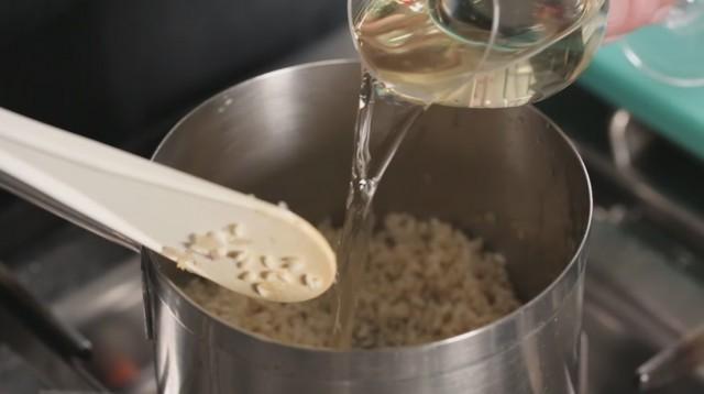 risotto alla zucca - sfumate con il vino
