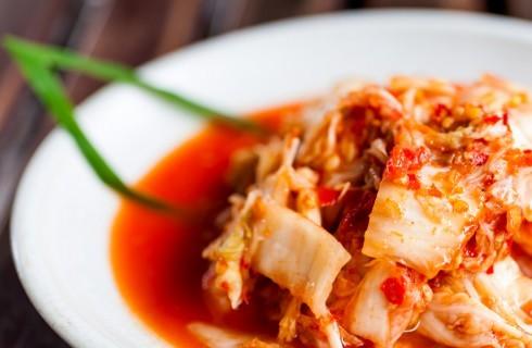 Perché dovreste mangiare più kimchi
