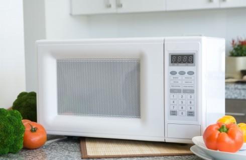 10 consigli per usare il microonde