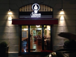 Sir Simon, Milano