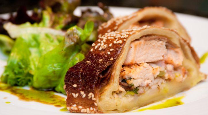 Il salmone in crosta di sesamo per la cena romantica
