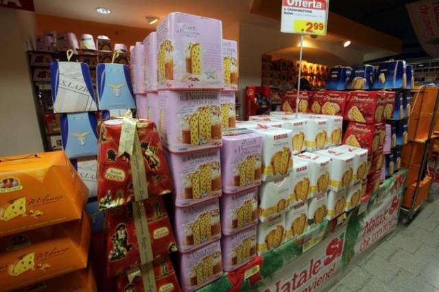 Roma. Prodotti alimentari di Natale nei supermercati
