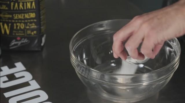 Pizzette tonde - 1 acqua, zucchero, lievito