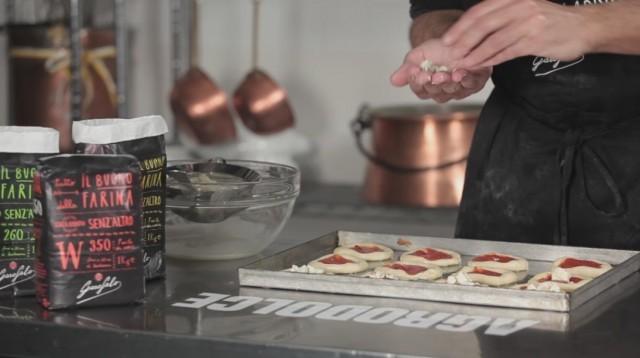 Pizzette tonde - 8 pomodoro e mozzarella