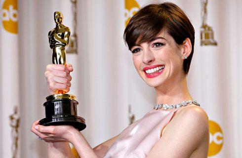 "Anne Hathaway interrompe la dieta vegana: ""Stavo male"""