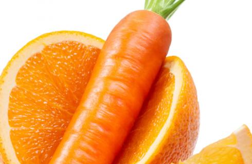 La torta di carote e arance per un Capodanno pieno di salute