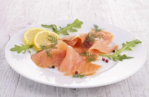 Il carpaccio di salmone agli agrumi per la tavola di Natale