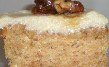 La torta alle noci e cioccolato bianco con la ricetta facile