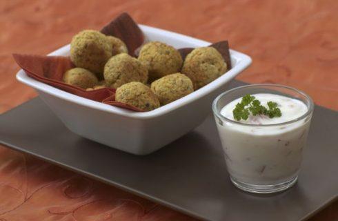 Le polpettine di ceci vegan nella ricetta del pranzo di Natale