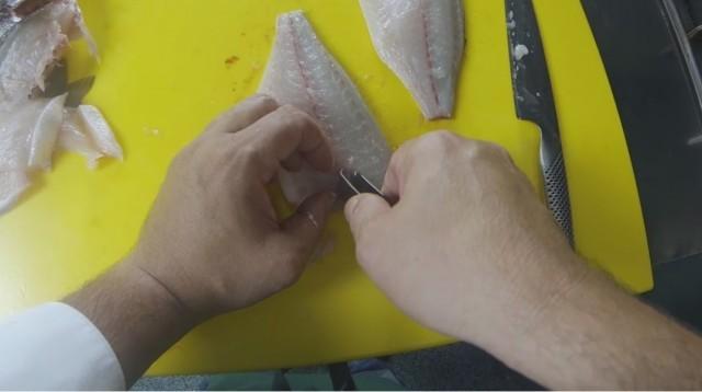 sfilettare il pesce - 10 eliminate le spine