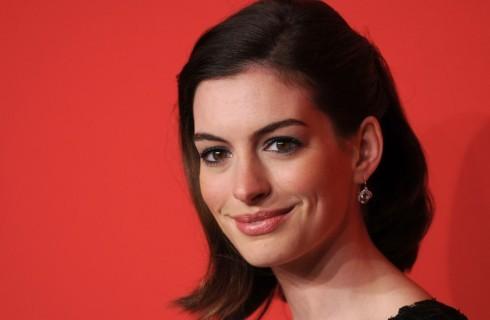 "Anne Hathaway: "" Basta con la dieta vegan"""