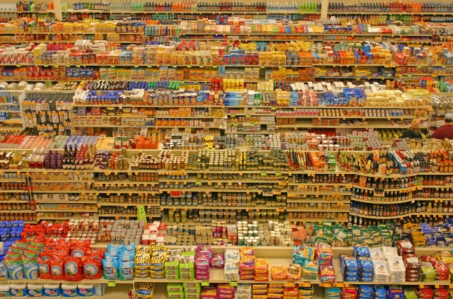scaffali del supermercato