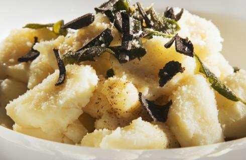 Gnocchi di patate al tartufo nero