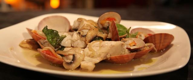 Branzino ai funghi: la ricetta sfiziosa dello chef Alessandro Borghese