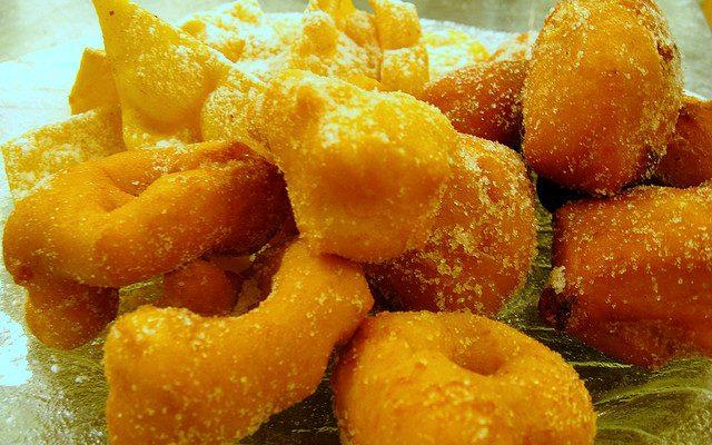 Le frittelle dolci di patate con la ricetta senza glutine