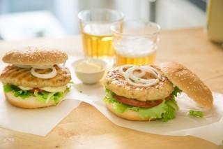 Hamburger di pollo fatto in casa: secondo light