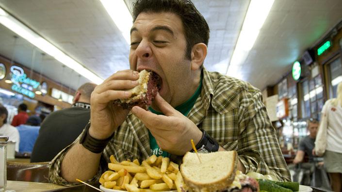 La cucina in tv vista dagli uomini: da Man Vs Food a i Re della Griglia
