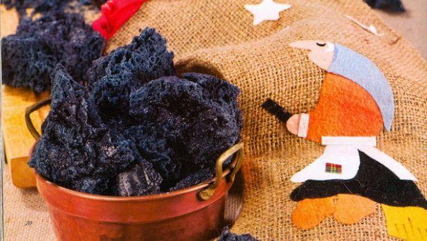 Come fare il carbone della Befana con la ricetta senza alcool