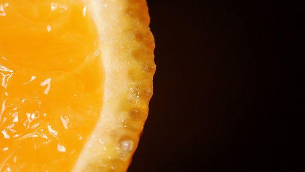 Come preparare la crema all'arancia senza latte