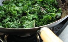 Cavolo verza verde stufato: la ricetta detox e gustosa