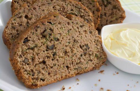 Il pane dolce di zucchine nella ricetta sfiziosa