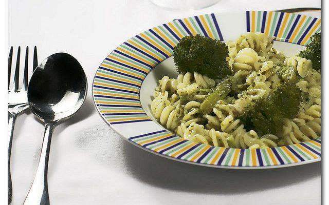 Ecco la pasta broccoli e acciughe con la ricetta semplice